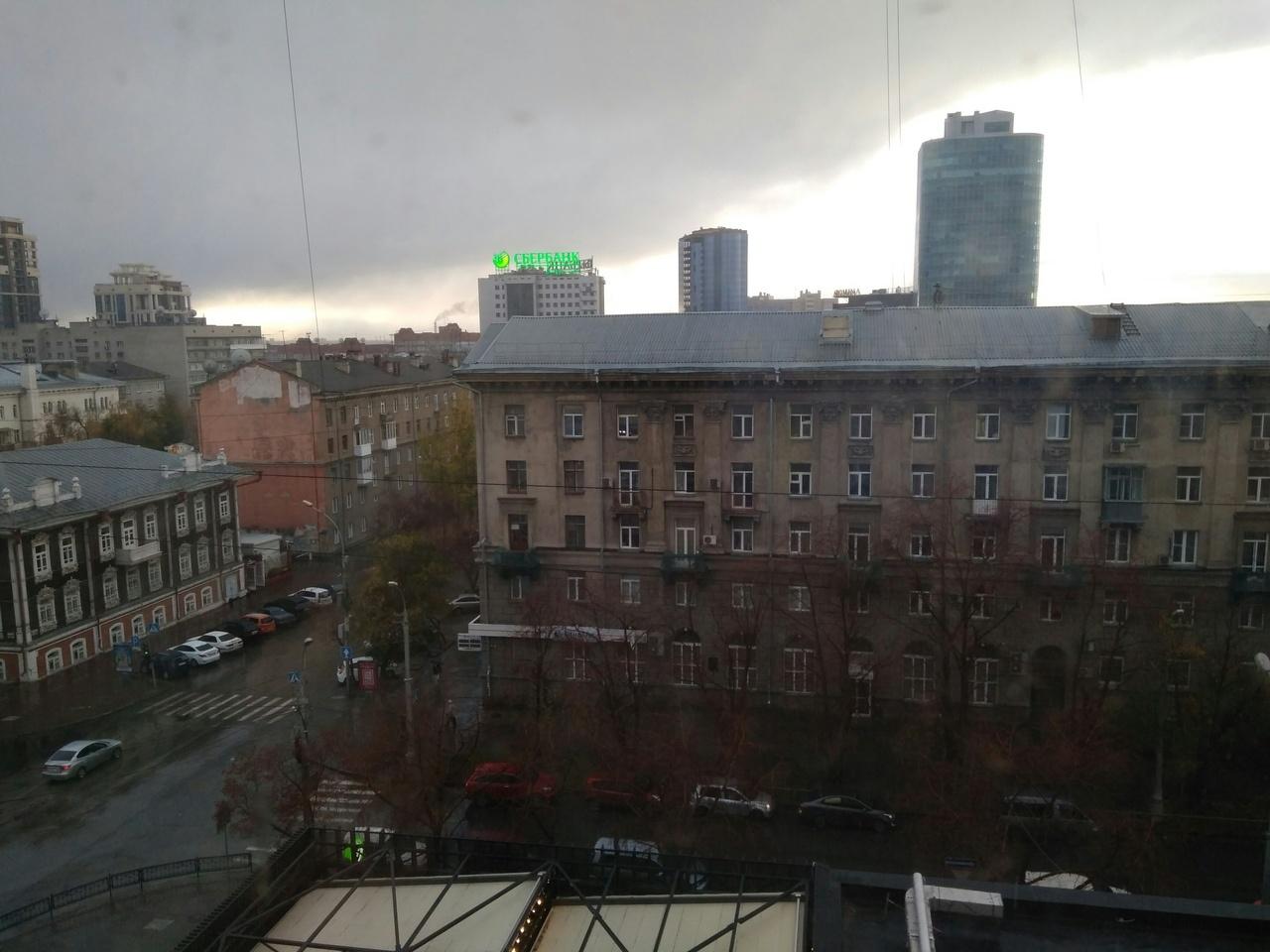В 17:00 на улице Ленина снова начался снег