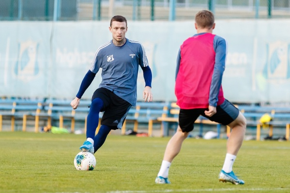 Павел Мамаев на тренировке команды
