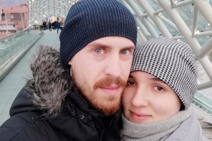 Яков Шерешевский с женой на Мосту мира в Тбилиси