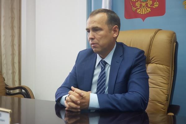 Распоряжение о назначение членов правительства временно исполняющими обязанности Вадим Шумков подписал 5 октября