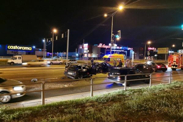 Серьёзная авария напротив «Касторамы»
