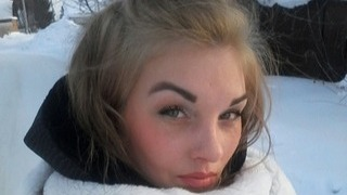 Вышла из машины возле поликлиники и пропала: в Новосибирске таинственно исчезла мать двоих детей
