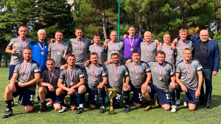Ветераны «Крыльев Советов» взяли серебро футбольного первенства России