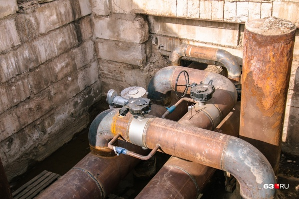 Тепловая камера — это заглубленное в грунт сооружение, в котором размещается запорная арматура, предназначенная для управления участками трубопроводов