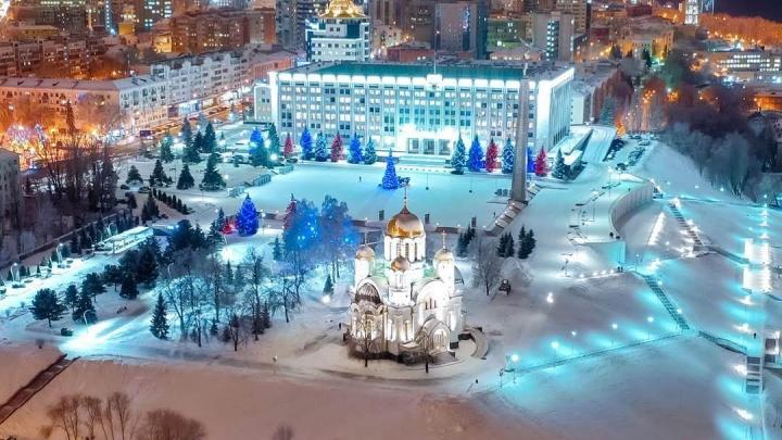 Церкви, елки, Чапаев и Паниковский: любуемся зимней Самарой