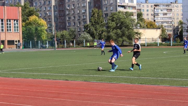 «На радость челябинцам»: власти забрали под контроль стадион футбольной школы «Сигнал»