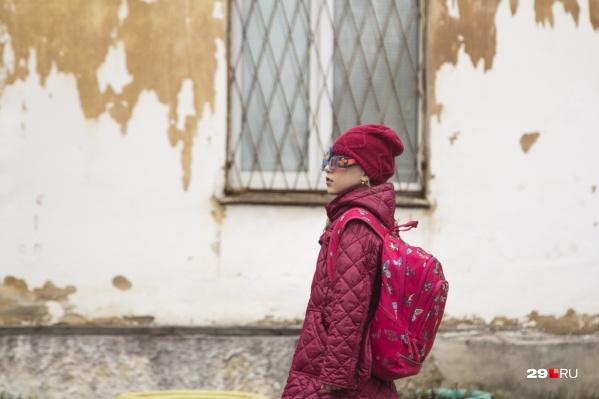 Жители говорят, что Катунино — это сегодня не военный, а материнский посёлок. Многие купили тут по маткапиталу жильё, а многодетные семьи получили земельные участки