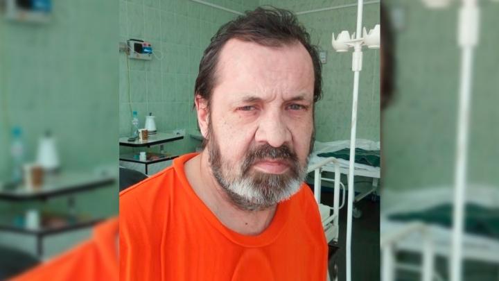 В Екатеринбурге ищут родственников 60-летнего мужчины, потерявшего память