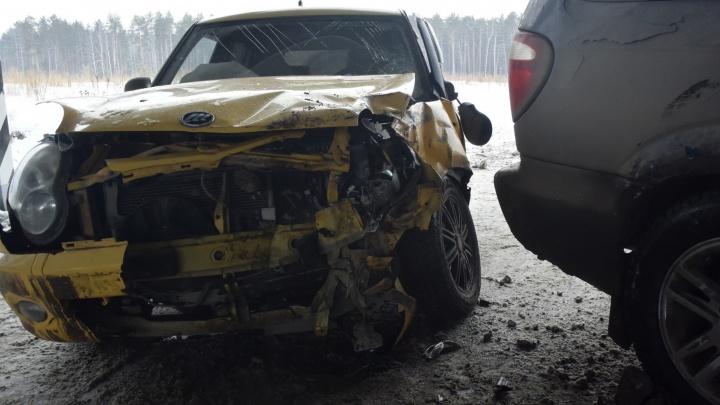 У посёлка Медный Chrysler выехал на встречную полосу: пострадали двое детей и взрослый
