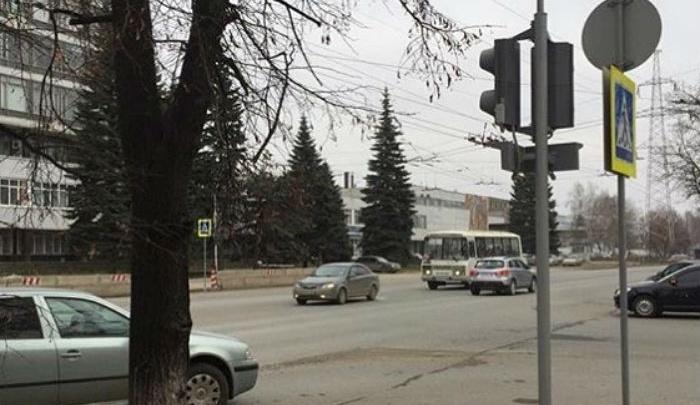 На проблемном перекрёстке в Уфе восстановили работу светофора