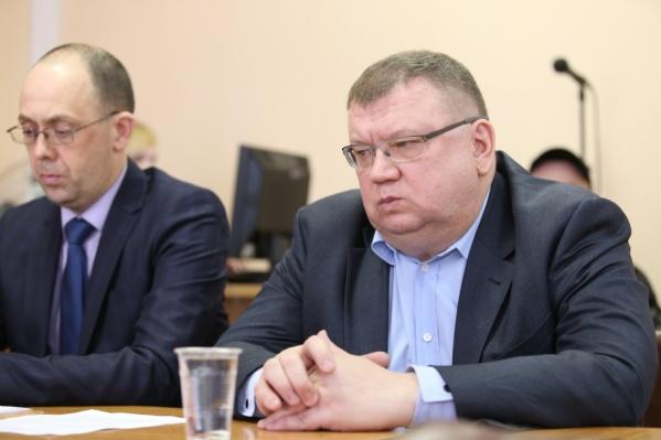 Сергей Мануйлов на вопросы дольщиков об исках заявил: денег на компенсации нет
