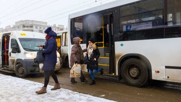 Постоим на остановках? Челябинская мэрия опубликовала график движения автобусов в праздники