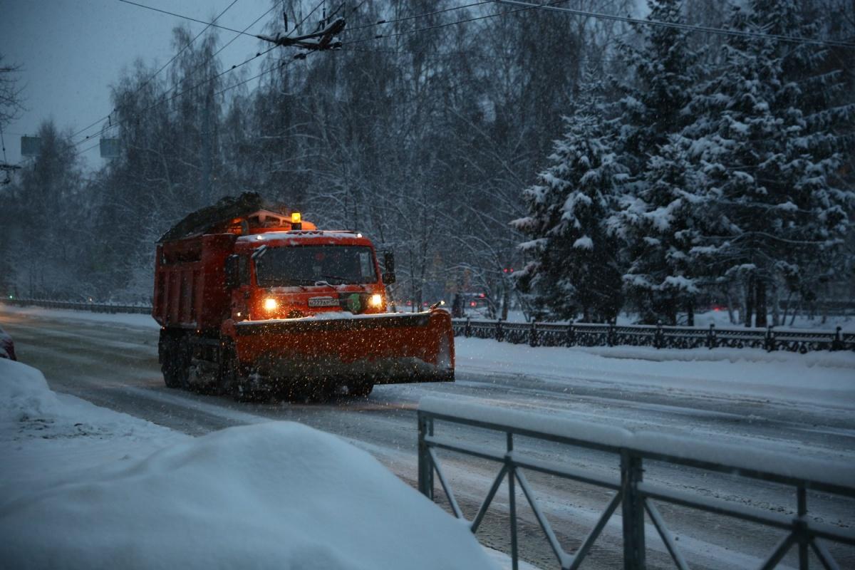 В субботу Новосибирск оказался в плену снегопада