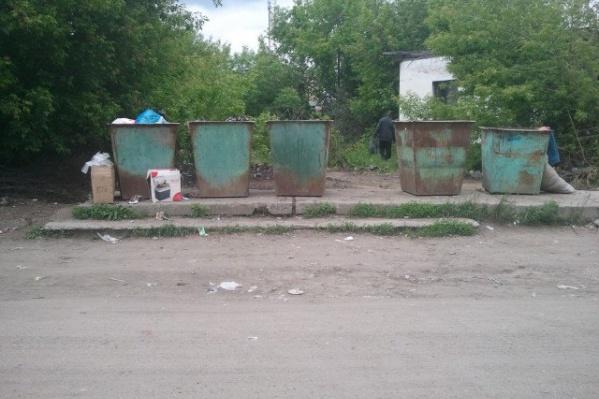 Предпринимателя оштрафовали за демонтаж контейнеров для мусора в Катайске