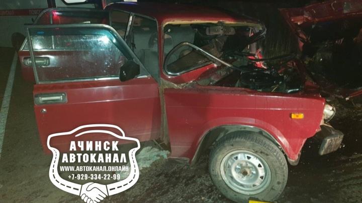 Водитель ВАЗа вылетел на встречку: погубил себя и покалечил ребенка