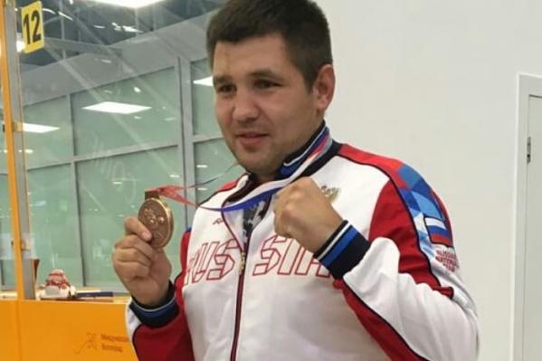 Максим Бабанин проиграл свой крайний поединок и получил бронзовую медаль