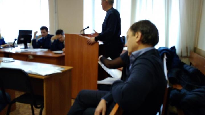 Кофе, бильярд и фирмы-«прокладки»: в суде слушают дело «Омской топливной компании»