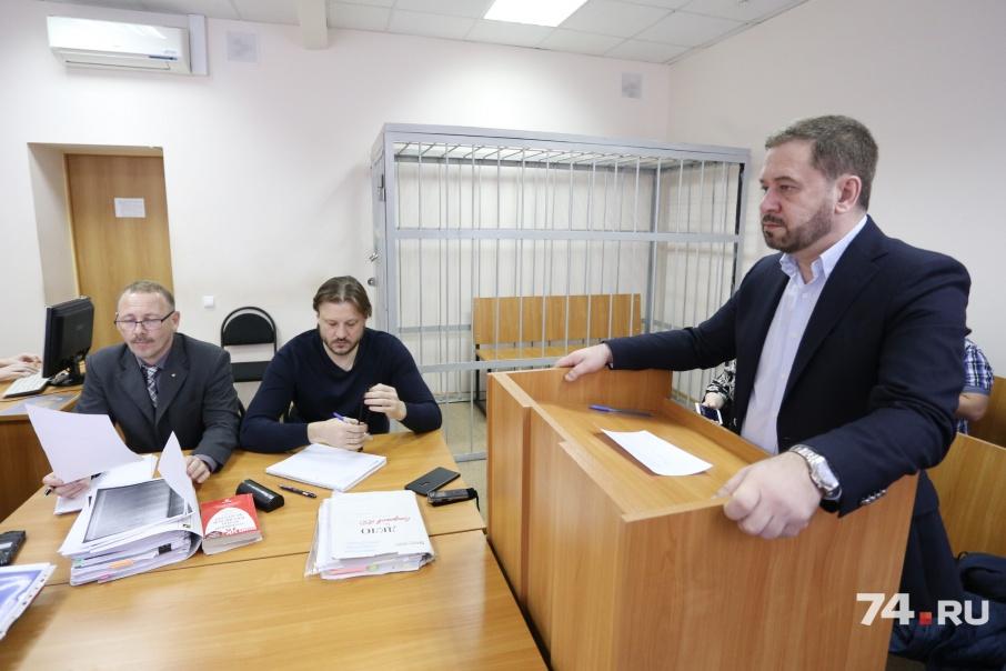 Бывший первый вице-губернатор области Олег Грачёв (справа) сейчас возглавляет представительство РМК в Челябинске