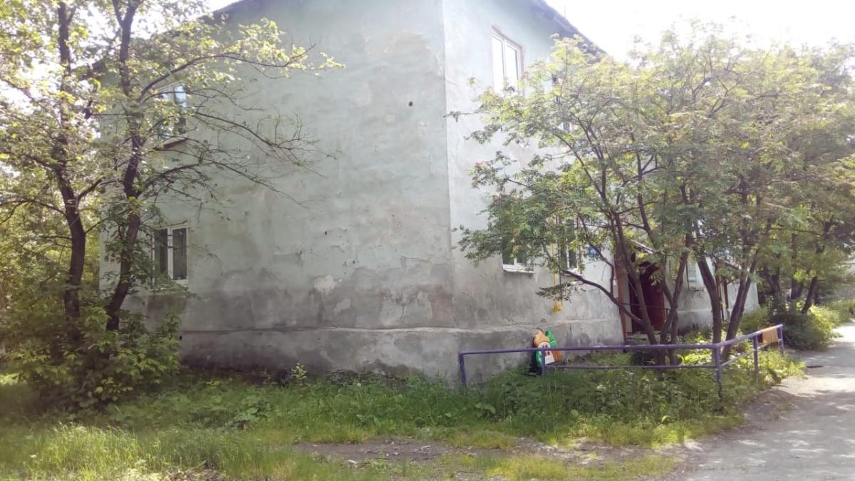В домах протекает крыша, покосились стены и провисают потолки
