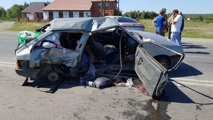 Четырёхлетняя девочка, пострадавшая в ДТП с «Ладой» и KIA на Южном Урале, умерла в больнице