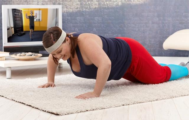 Появились тренировки для тех, кто хочет похудеть на размер, но стесняется косых взглядов