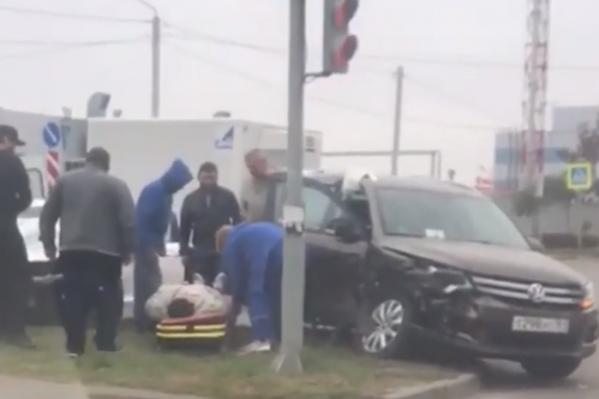 Машины столкнулись на перекрестке улиц Жданова и Маршала Жукова