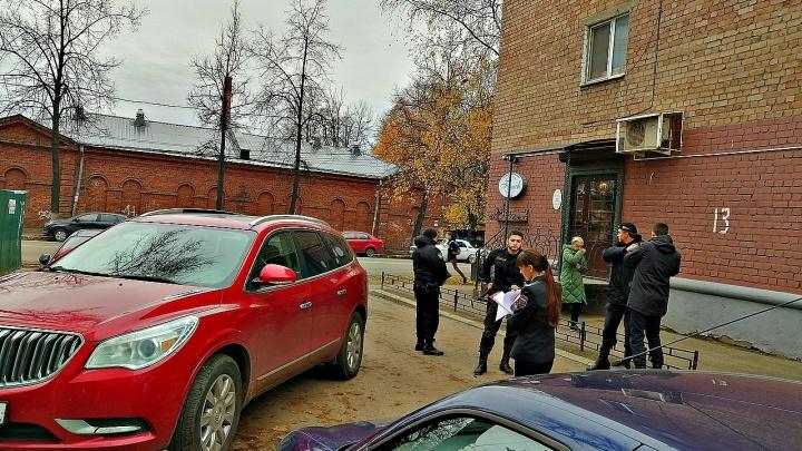 В Ярославле друзья владелицы дорогого «Бьюика» наскребли миллион, чтобы она не лишилась машины