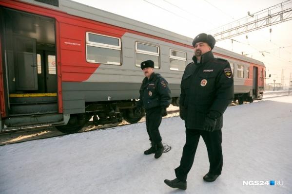 В Красноярском крае двое мужчин подозреваются в насилии над полицейским
