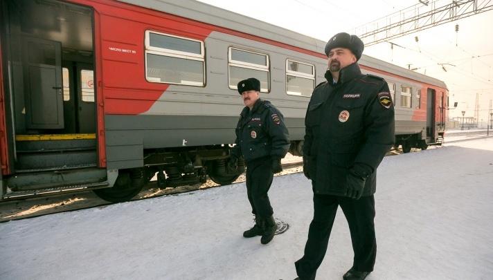 Вахтовики-ухажеры избили полицейского в ходе ссоры. За насилие над полицейским им грозит 10 лет