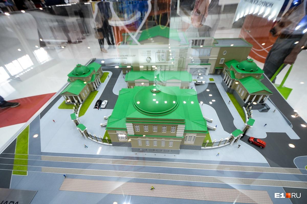 На переднем плане — главный корпус (там зал приемов), за ним — флигель, к которому пристроен новый корпус (внутри галерея), слева и справа — два павильона (в одном будет бар, в другом ресторан)
