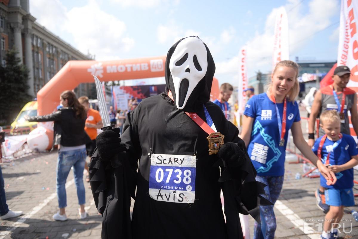 Для каждого марафона Михаил готовит новый костюм