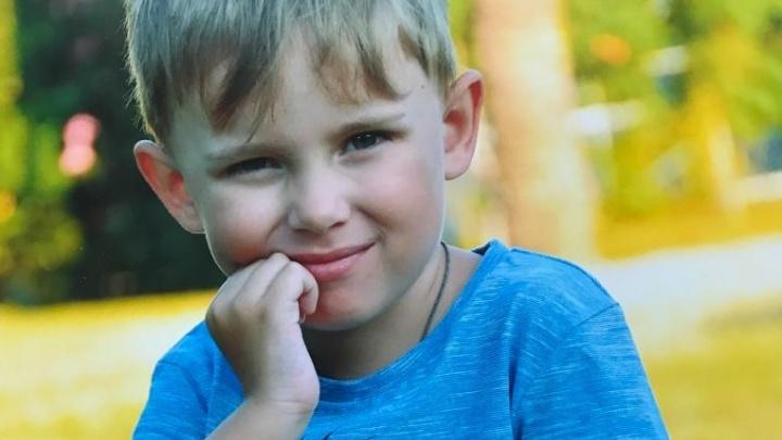 Держится как настоящий мужчина:6-летний фигурист с оторванной в ДТП рукой привыкает к новой жизни