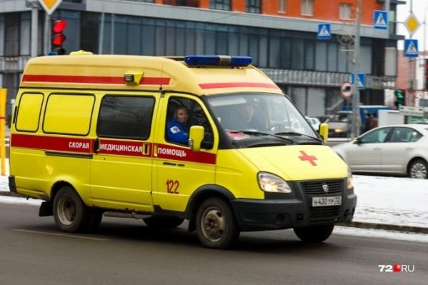 Диспетчер успокоила взволнованного пациента и передала несрочный вызов в неотложку