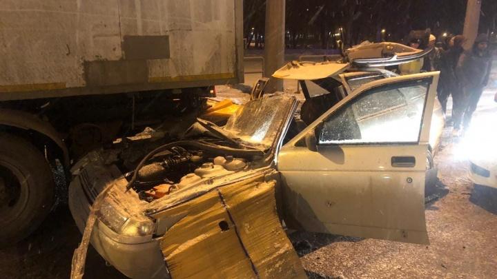 «Lada летела на летней резине»: в ДТП на Московском шоссе погиб пассажир легковушки