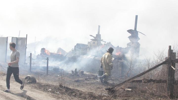 14 зауральских семей, потерявших жилье во время природных пожаров, получат древесину