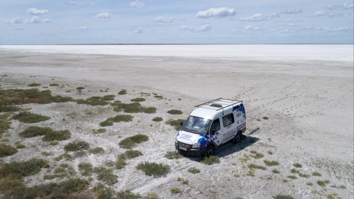 Мистика и загадки степных миражей:волгоградцы умчались в степь на поиски затерянного озера Булухта