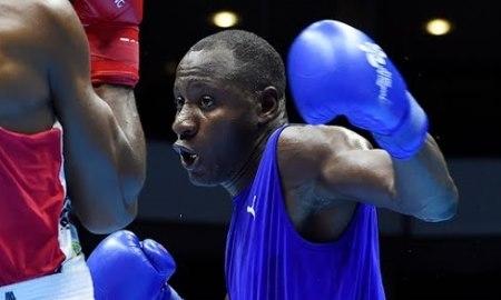 Действующий чемпион мира, выступающий в первой тяжёлой и тяжёлой весовых категориях Эрисланди Савон