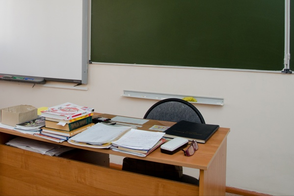 Бывшего школьного сторожаподозревают в краже 25 тысяч рублей из сейфа директора