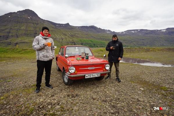 Увидетьнетронутую природу, ледники, северное сияние, вулканы и Атлантический океан — вот мечта двух друзей из Челябинска