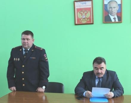Сотрудники ФСБ устроили обыск в кабинете начальника полиции Центрального района Тольятти