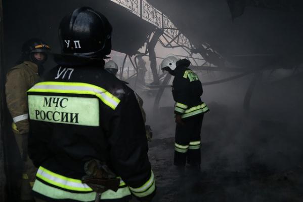 При разборе завалов обнаружены тела мужчины и женщины