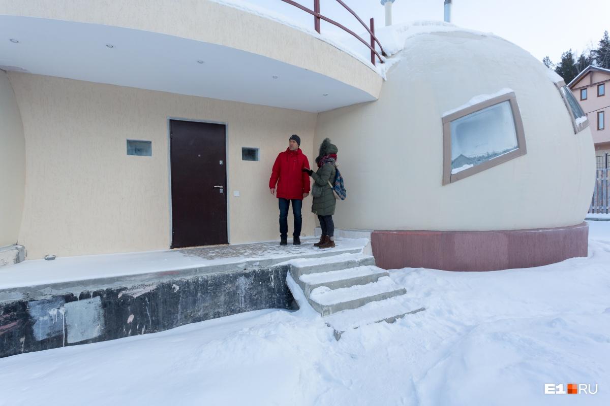 Снаружи дом кажется небольшим, но его площадь 130 «квадратов»