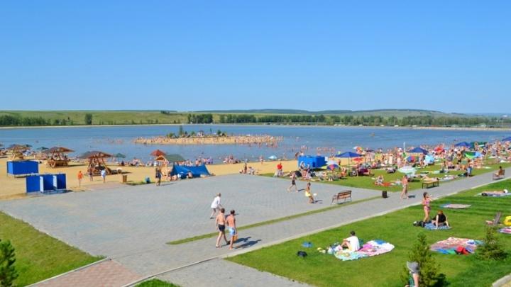 Первый в сезоне официальный пляж открылся под Красноярском