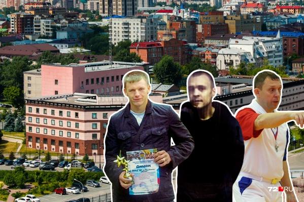 Слева направо: обвиняемый Евгений Гладких, Алексей Коротков (его уже осудили и дали 24 года колонии строгого режима) и Александр Кобылин, который якобы был «духовным наставником» в банде