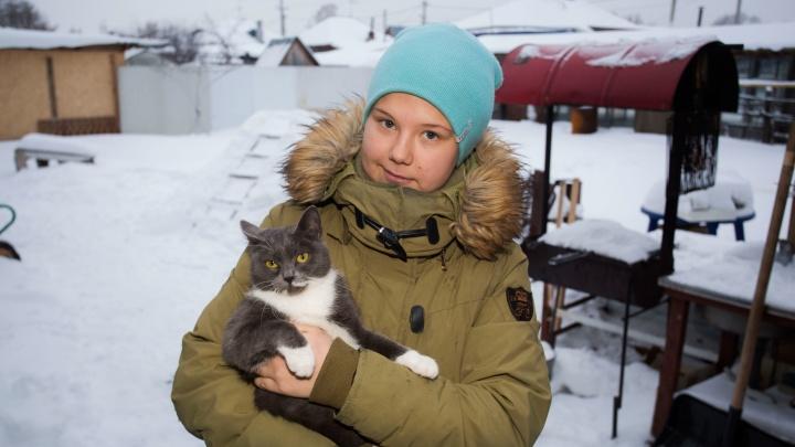 «Я не считаю себя её дочерью»: 15-летнюю девочку спустя 12 лет насильно возвращают биологической матери