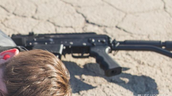 Перестрелка на Первомайке: машину новосибирца случайно обстреляли при перехвате похитителей
