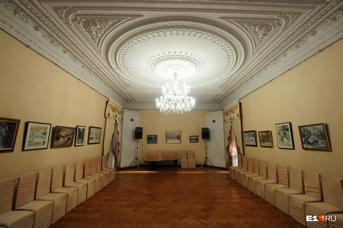 Один из залов внутри