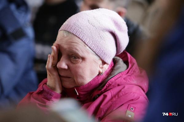 На встрече врио губернатора с жильцами пострадавшего от взрыва дома на Карла Маркса некоторые не смогли сдержать слёз