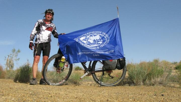 Велопутешественник из Красноярска поехал по пути ленд-лиза 3000 км из Ирана в Россию
