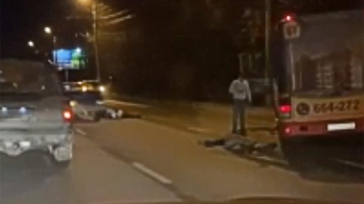 «Мой папа в коме»: в жуткой аварии на проспекте Авиаторов пострадали двое мужчин